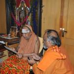 Briefing Kanchi Kama Koti Peethadhipathi on Kaladi to Kedar Mission